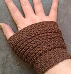 http://www.ravelry.com/patterns/library/keep-it-simple-wristers