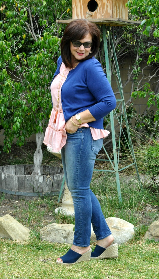 skinny jeans, blue cardigan and peach peplum