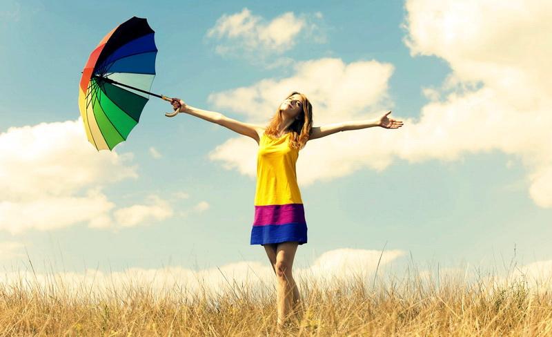 Όλοι ανεξαιρέτως θέλουμε να είμαστε ευτυχισμένοι και χαρούμενοι στη ζωή μας...