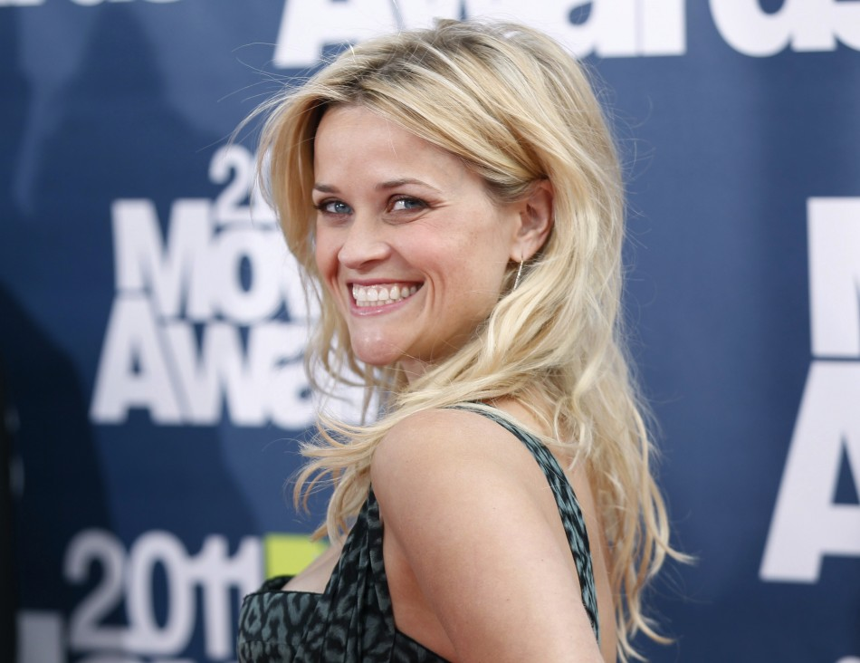 Reese Witherspoon Style Pictures Celebrities Hairstyles