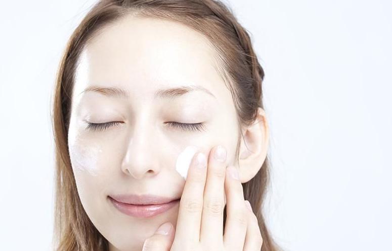 3 Cara menghindari jerawatan di wajah yang menjengkelkan