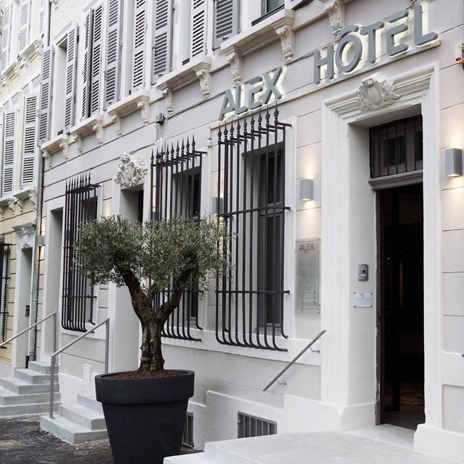 alex hotel marseille anna g. Black Bedroom Furniture Sets. Home Design Ideas