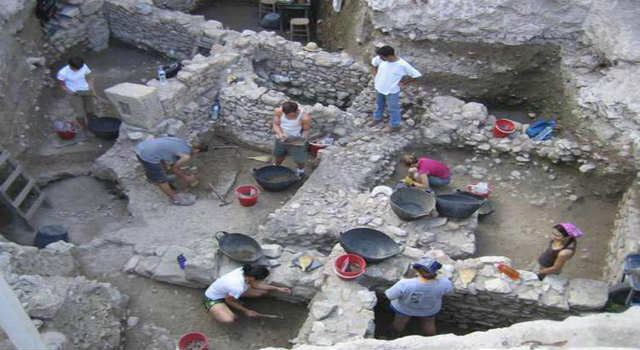 Έρευνα... CSI για τα ένοχα μυστικά της Αρχαίας Αγοράς - Βίαιοι θάνατοι και παράνομες ταφές