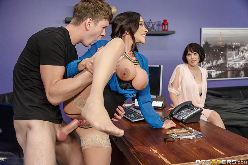 UNCENSORED [brazzers]2017-11-24 The Trophy Husband, AV uncensored