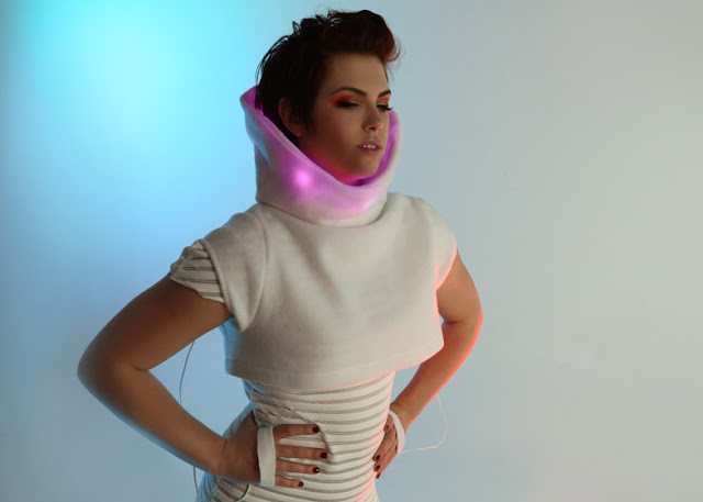 Wearable Fashion Tech - GER Mood-Sweater