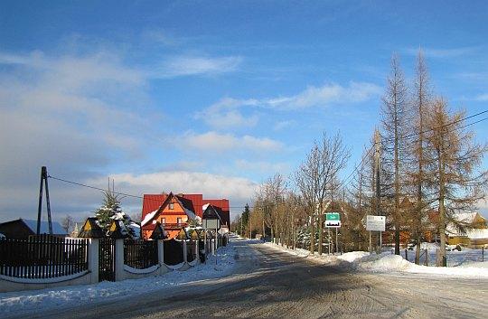 Początek wsi Ząb.