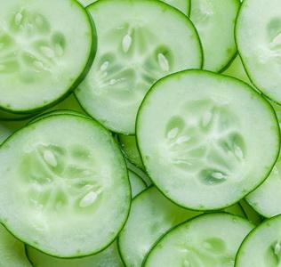 sliced_cucumbers