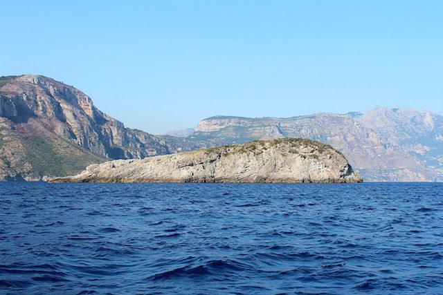 isola della balena positano
