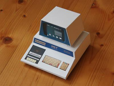 PAPERMAU: Commodore PET 2001 Paper Model - by 8Bit Home Computer Museum