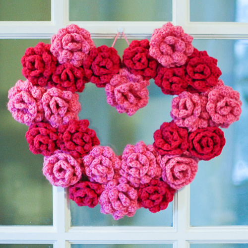 Gorgeous Rose Wreath - Free Pattern