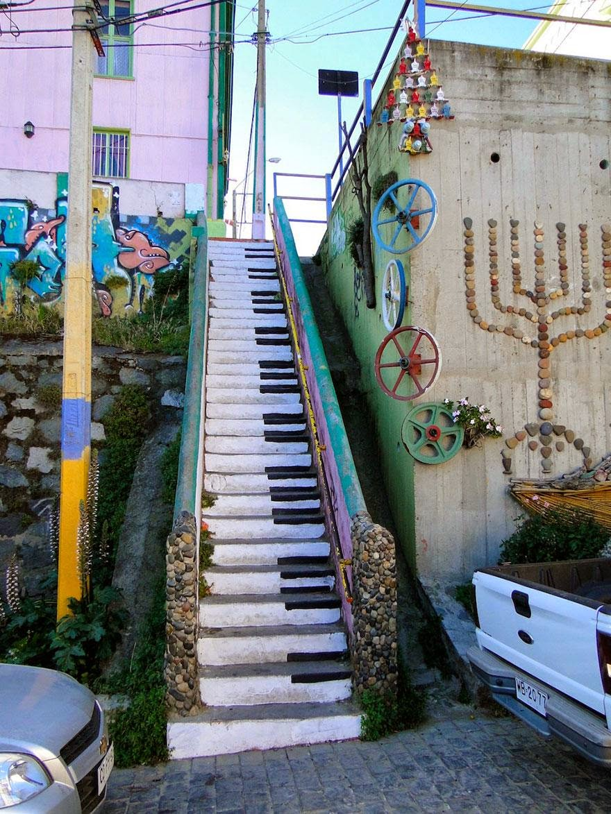 2. Valparaiso, Chile - 17 Beautifully Painted Stairs From All Over The World. #7 Is Insane!