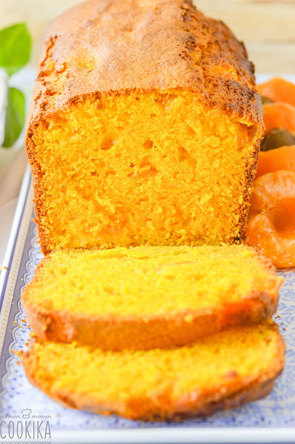 Carrot & Apricot Cake