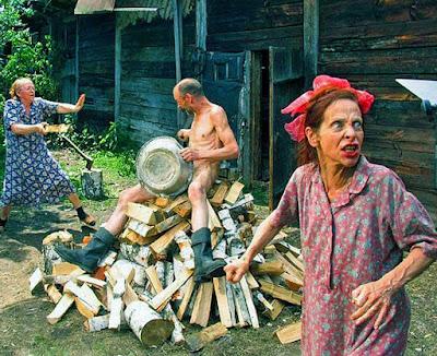 Lustige Rentner Familie - Verrückte Leute beim Streiten