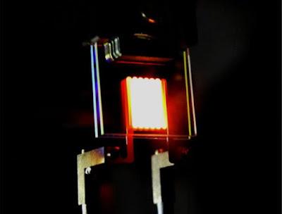 Científics del MIT creen una bombeta incandescent més eficient