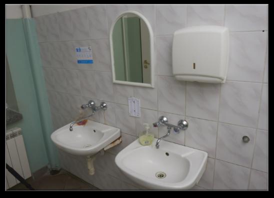 Wzorowa łazienka Domestos Odmienia łazienki W Szkołach