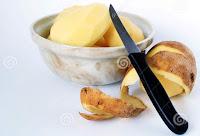 Descasque batatas de um jeito simples e rápido
