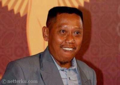 Foto Tukul Arwana Terbaru - www.NetterKu.com : Menulis di Internet untuk saling berbagi Ilmu Pengetahuan!