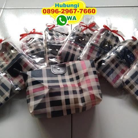 souvenir dompet pisang 53331