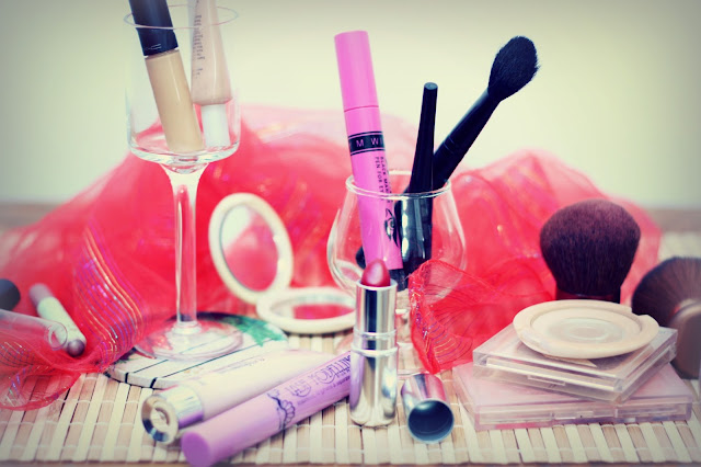 keep makeup accessories clean