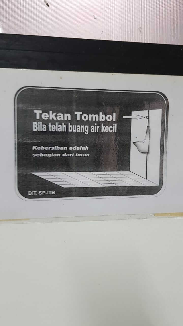 tulisan di WC Toilet Gedung PAU ITB