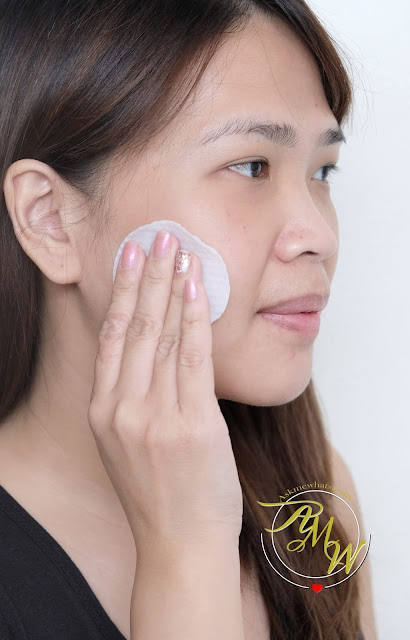 a photo of COSRX One Step Original Clear Pad Review by Nikki Tiu of www.askmewhats.com