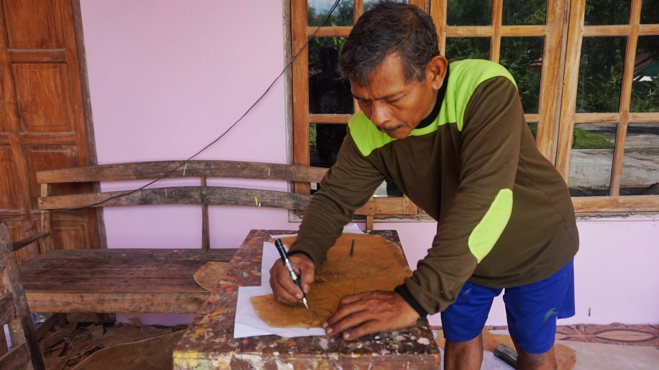 Proses Nyoret oleh Saiman (dok. pribadi)