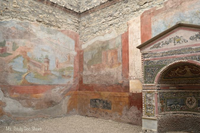 Pompeii, Italy | Ms. Toody Goo Shoes