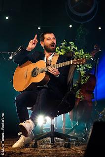 Biffy Clyro Bataclan Paris Rock MTV Unplugged Simon Neil Opposites Biblical Marie Torrent The Captain