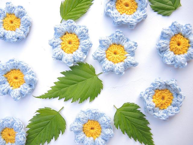gratis haakpatroon bloemetje / free crochet pattern flower by moois van m(i)e
