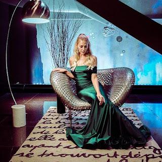 Meryem Uzerli Un șeic vrea să ia cina cu o actriță și îi oferă o mulțime de bani!