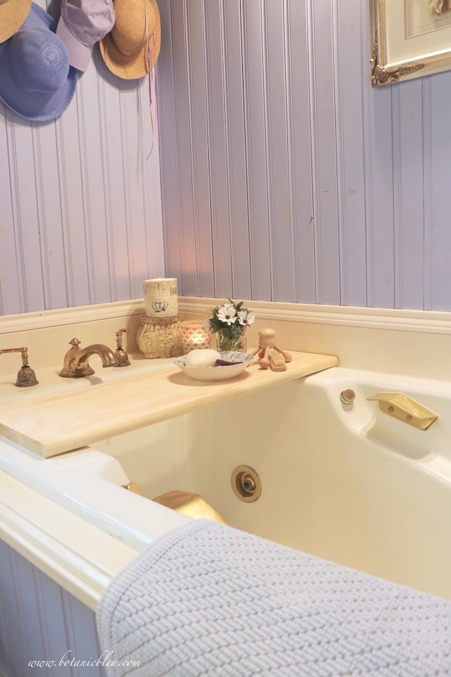 easy DIY wood bathtub tray adds French Country charm to master bath