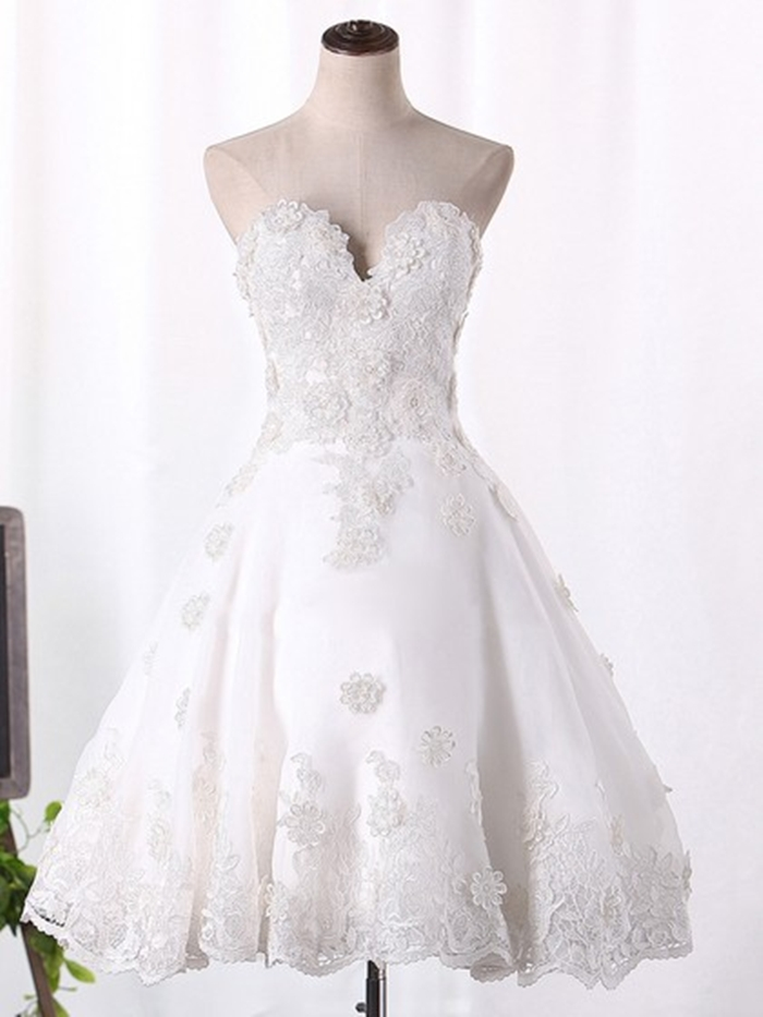 http://uk.millybridal.org/product/organza-sweetheart-a-line-knee-length-appliques-lace-wedding-dresses-ukm00023097-21794.html?utm_source=minipost&utm_medium=2597&utm_campaign=blog