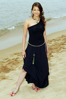 Aishwarya Rai Near The Seashore