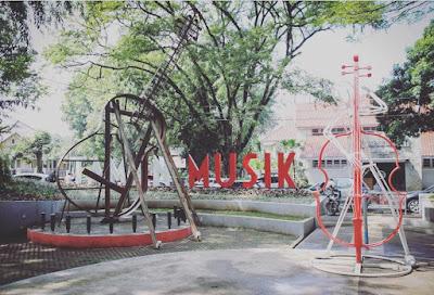 17 Taman yang Ada di Kota Bandung, Taman Jomlo?