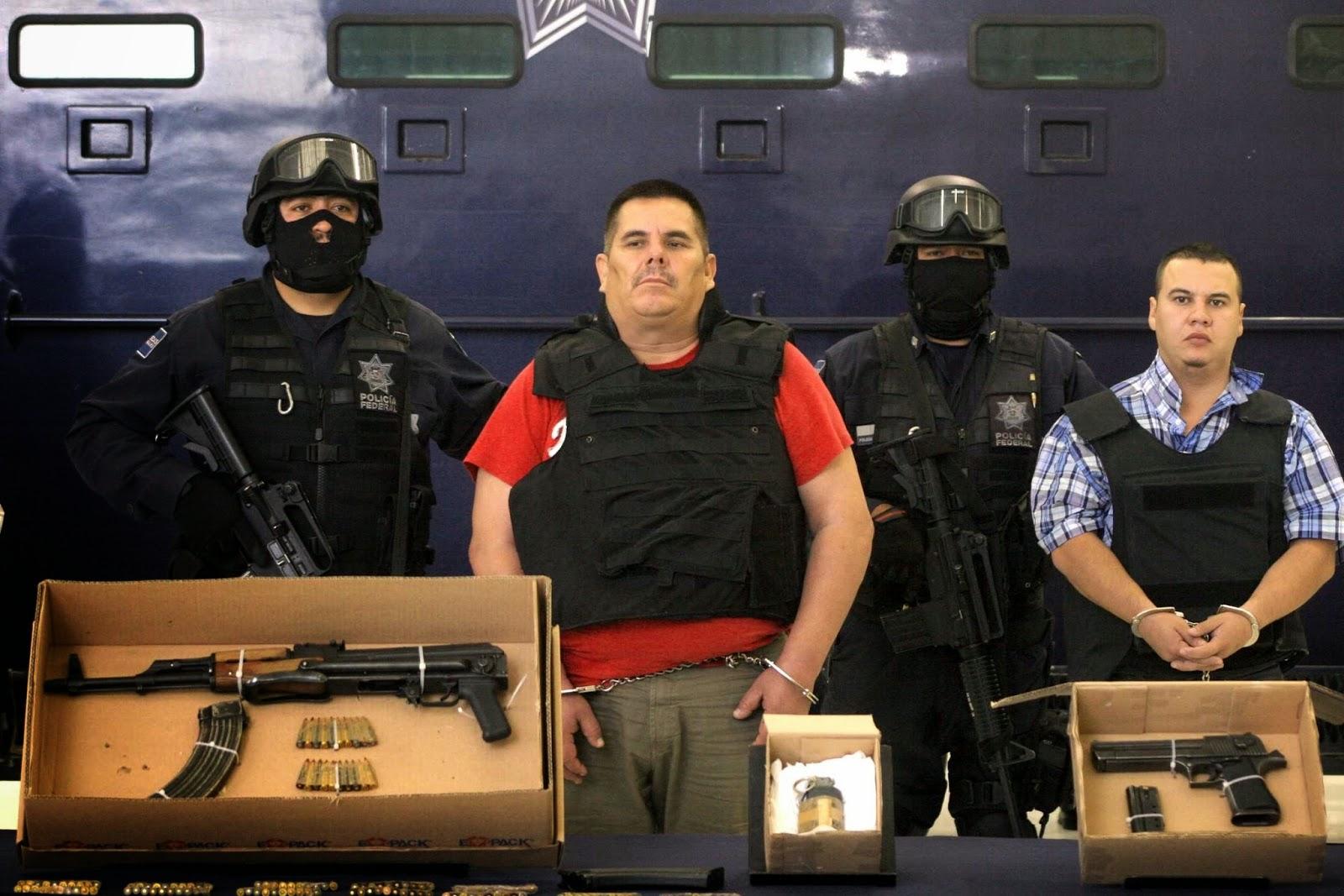"""El Chango Mendez el capo que ofreció poner en venta casas en Uruapan para pagar sobornos y liberar a su hijo """"El Chuchin"""""""