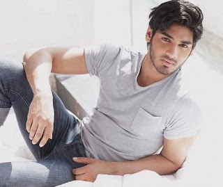 Ahan Shetty Family Wife Son Daughter Father Mother Marriage Photos Biography Profile.