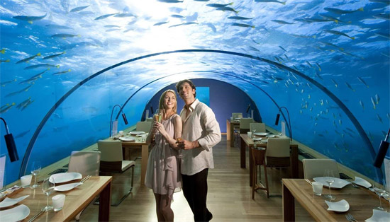Poiseidon resort Fiji Islands - Underwater hotel dining room