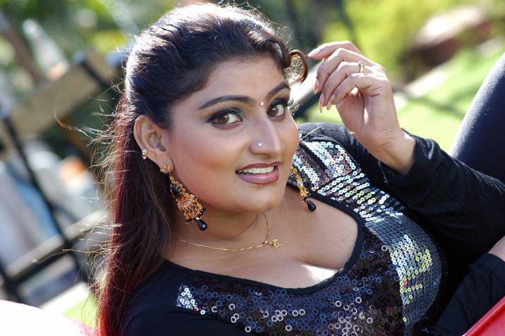 HOT INDIAN MASLA GIRLS: DESI AUNTY SO SEXY