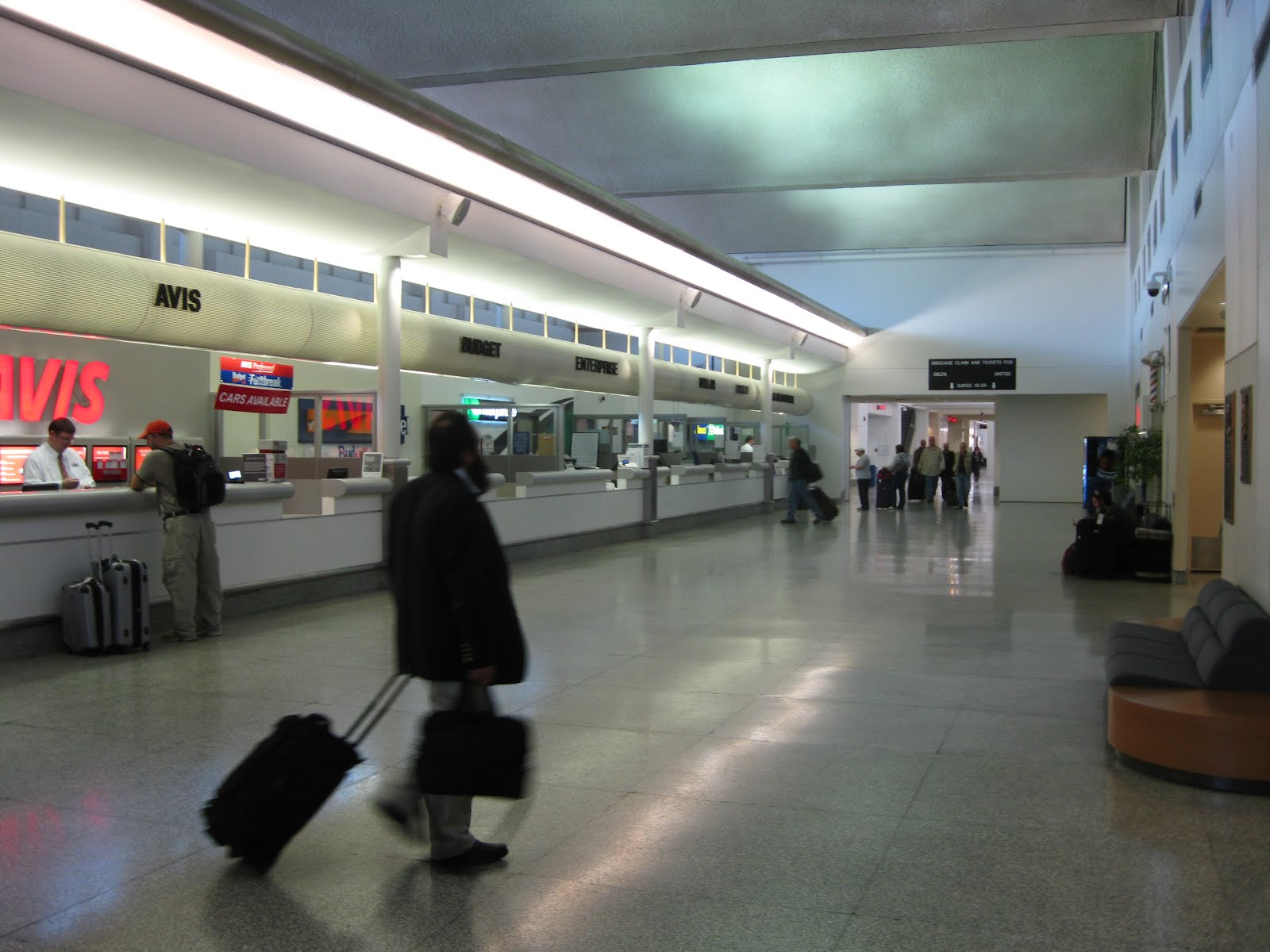 Syracuse Airport Car Rental: Airline Terminal Mania: Syracuse Airport (SYR): Help Wanted