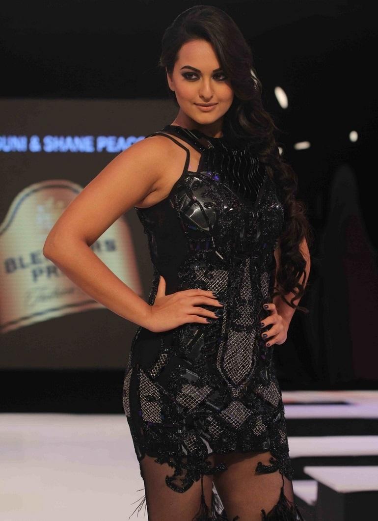 Actress Sonakshi Sinha Long Hair Stills In Black Dress At Ramp Walk