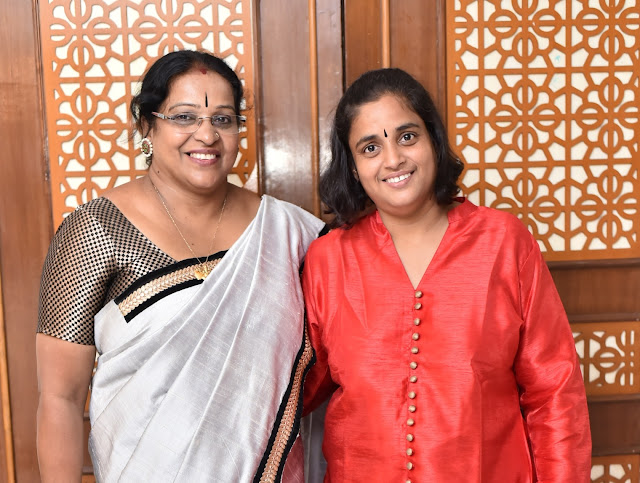 Rajeshwari Thyagrajan with Host Sujatha Narayanswami-