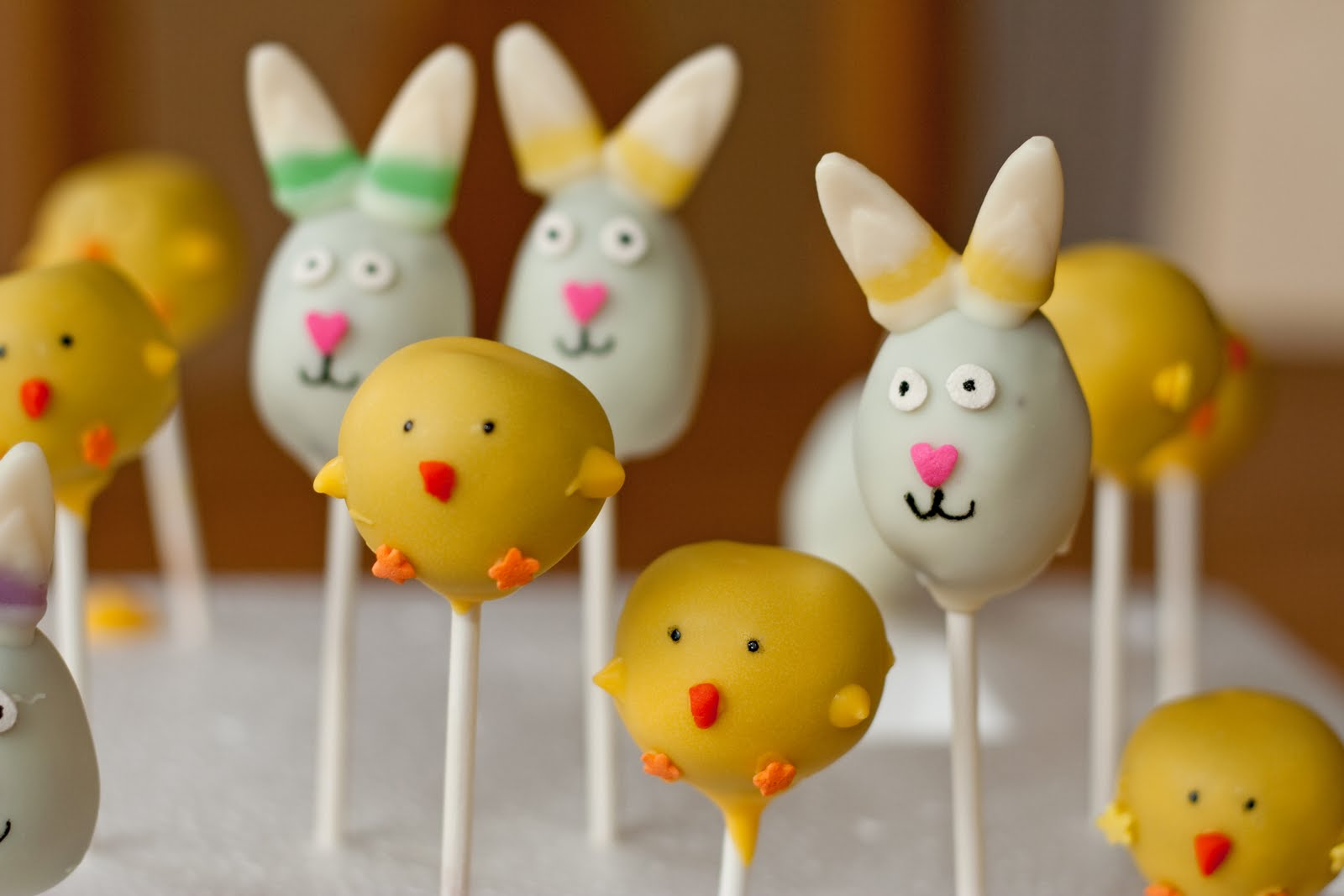 Cakes By Nicola Easter Cake Pops