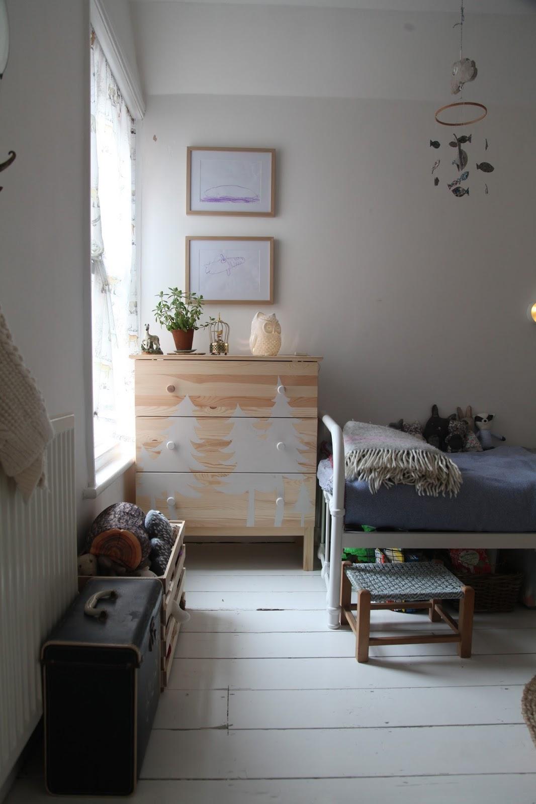 Little big room artemis russell for Artemis kitchen designs