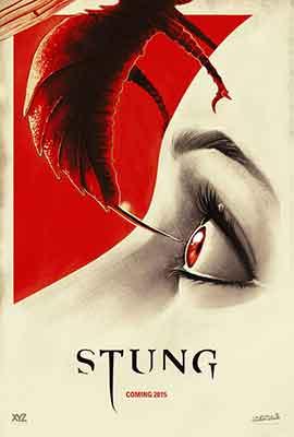 Stung (2015), avispas gigantes al ataque...