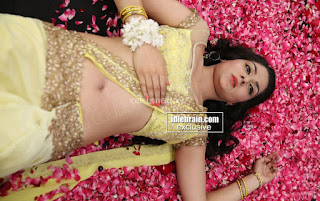 Sakshi Chodary in Yellow Transparent Sareei Choli Spicy Pics 23 .xyz.jpg