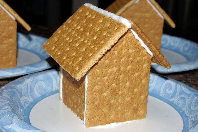 15 Gingerbread Houses To Make With Kids Planet Smarty Pants