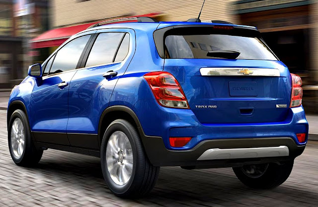 Chevrolet Tracker 2017 back blue