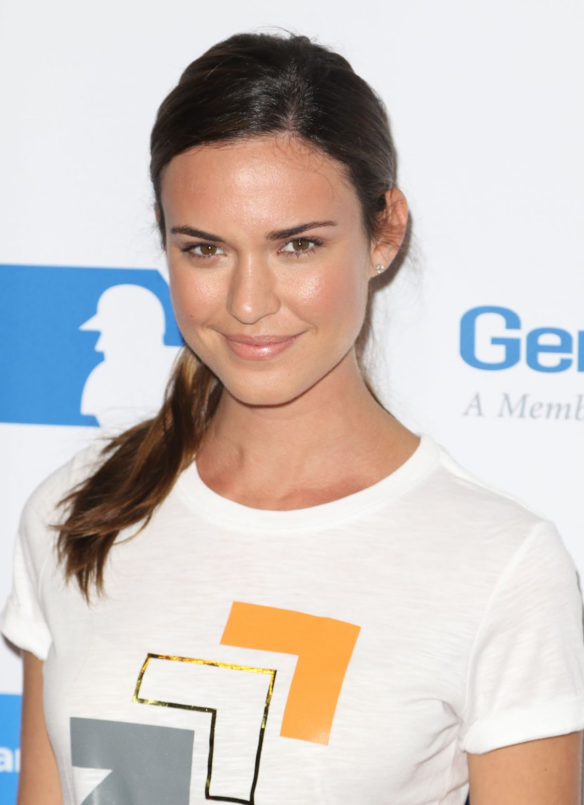 Full HQ Photos of Odette Annable At 5th Biennial Stand Up To Cancer In Los Angeles