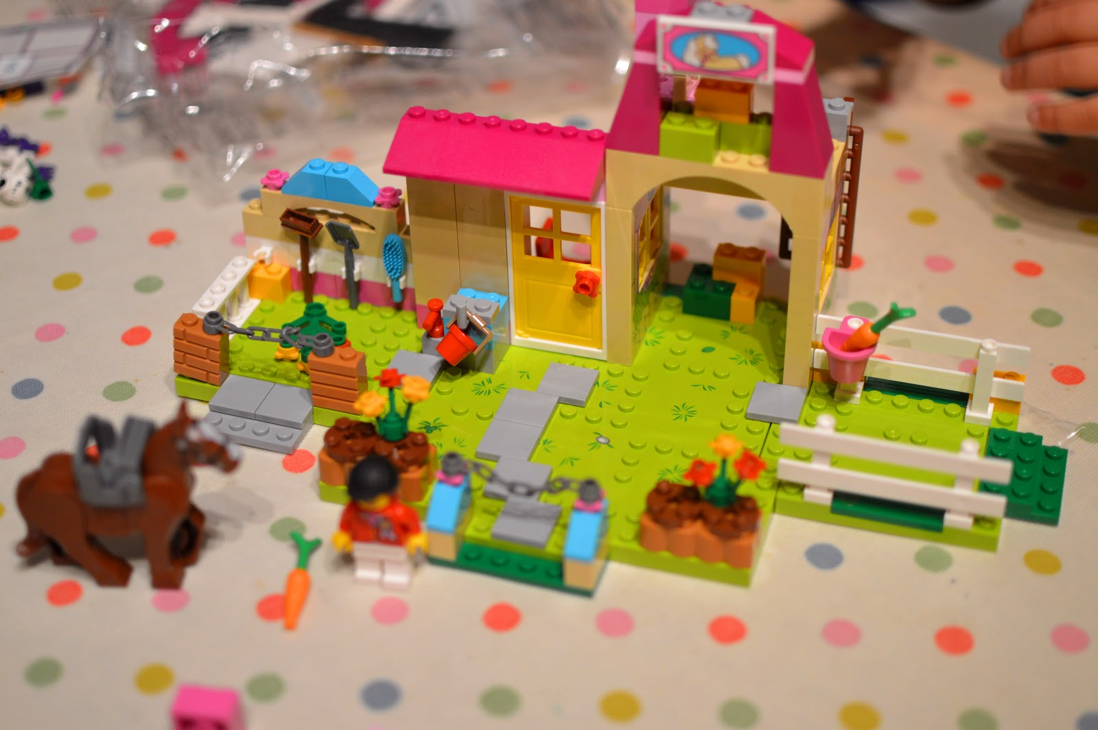 , LEGO Juniors Pony Farm (10674) Review