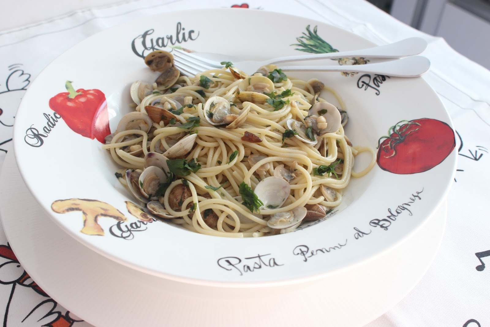 Espaguetis con almejas spaguetti alle vongole las - Espaguetis con almejas ...